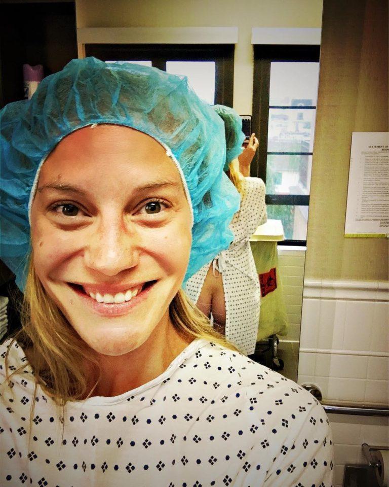 Katee Sackhoff nude butt in accidental hospital selfie!