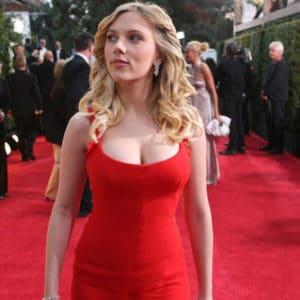 Scarlett Johansson cleavage exposed (1)