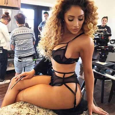 Nikki Muddaris Sexy Body In Lingerie!