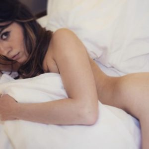 Paola Saulino in bed naked