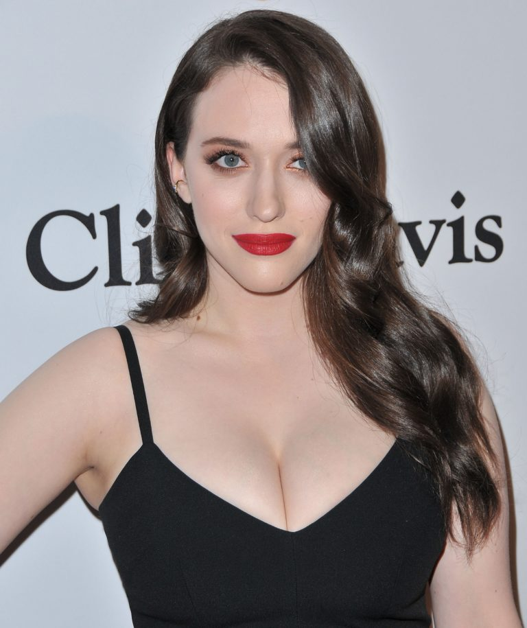Kat Dennings sexy cleavage