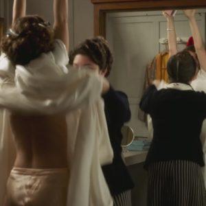Natalie Portman stripping down
