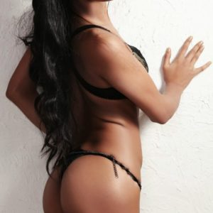 hot pic of celebrity poonam pandey in thong showing her bare ass