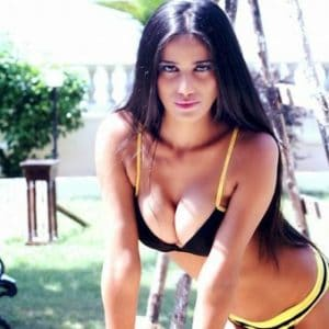 bikini pic of Poonam Pandey and her tits while she bends over