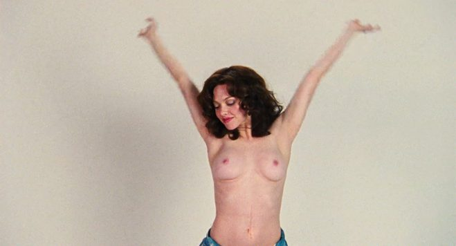 celeb amanda seyfried nude tits with hands in the air