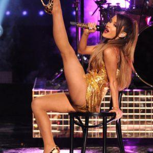 Ariana Grande legs spread