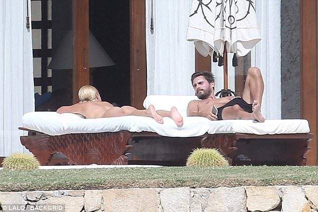 Sofia Richie nude in Mexico with Scott Disick from the Kardashians