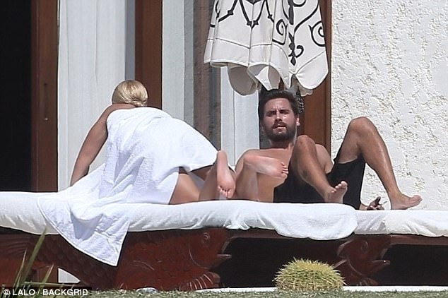 Sofia Richie nude underneath a towel with Scott Disick