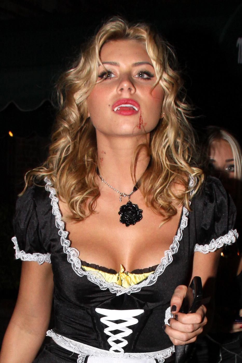 Alyson Michalka Desnuda wow!! aj michalka nudes exposed!