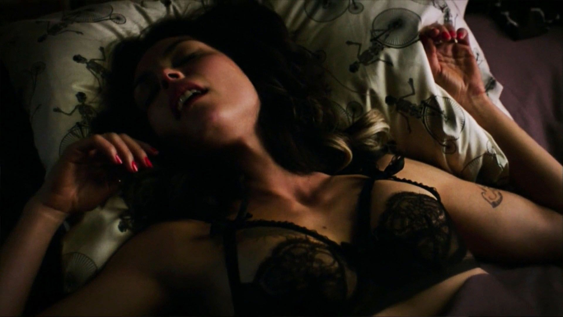 Morena Baccarin sexy nude picture