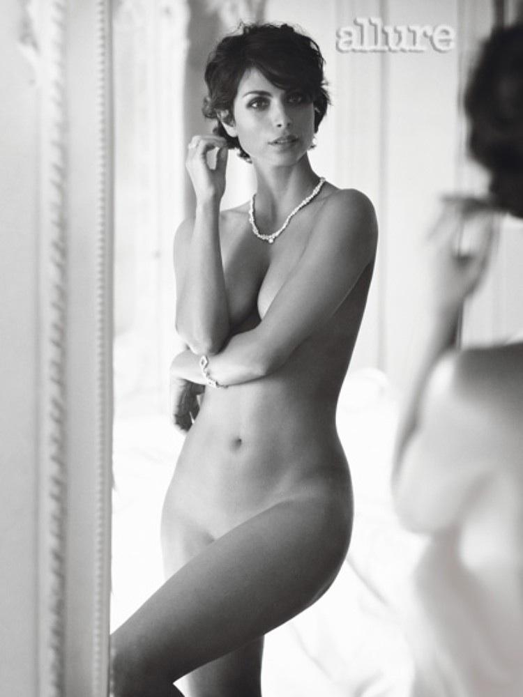 Morena Baccarin nude photo