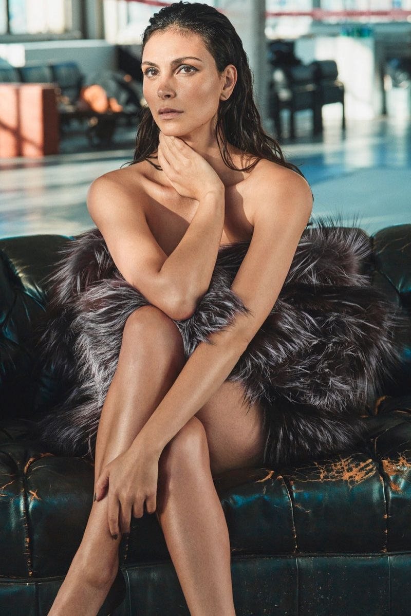 Morena Baccarin topless picture