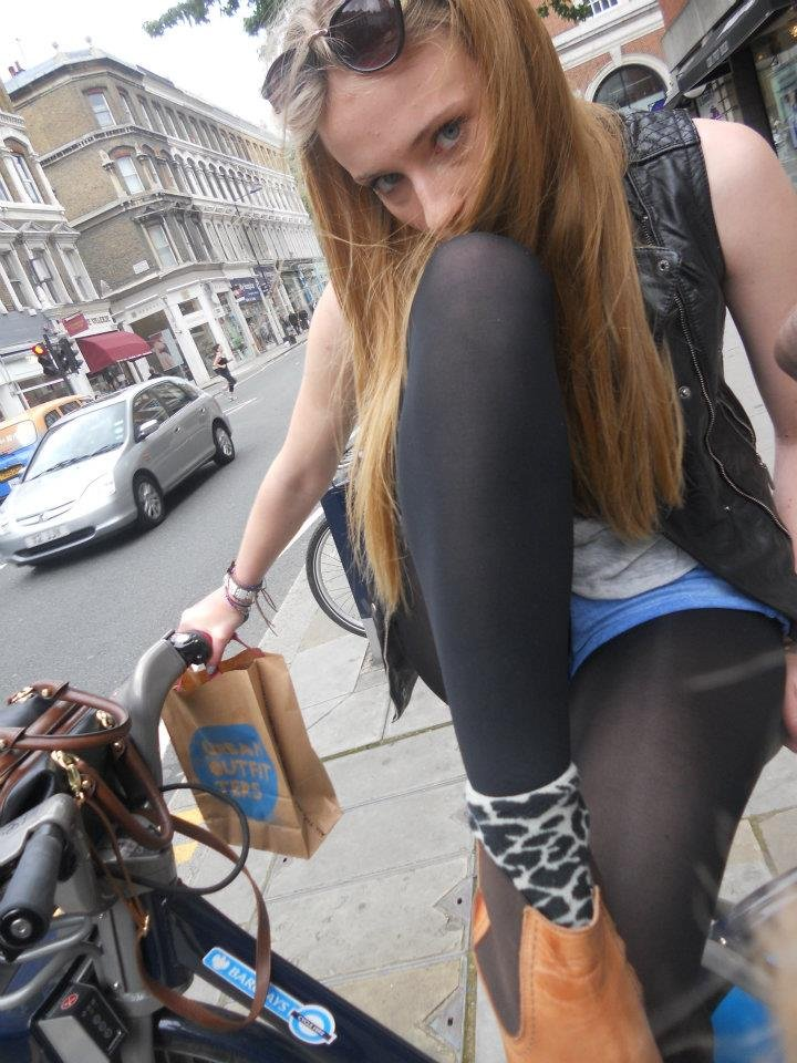 Sophie Turner upskirt
