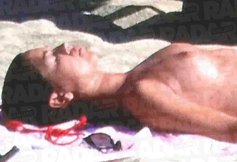Meghan Markle topless photos (1)
