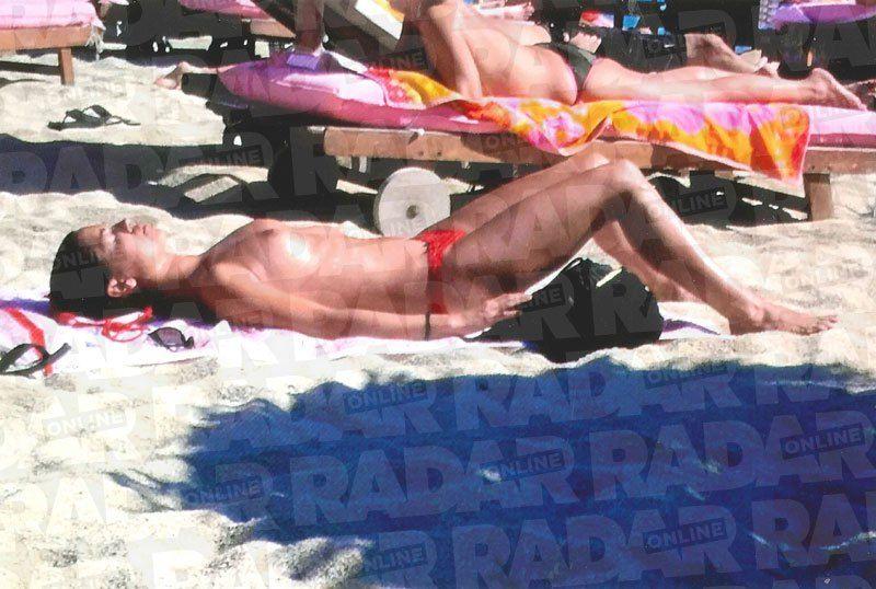 Meghan Markle topless photos (2)
