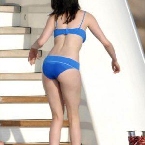 Anne Hathaway ass