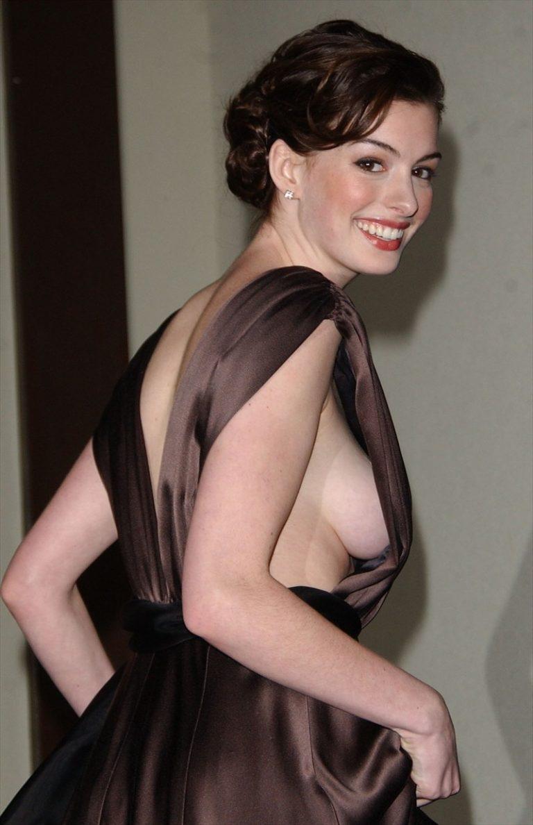 Anne Hathaway leaked side boob