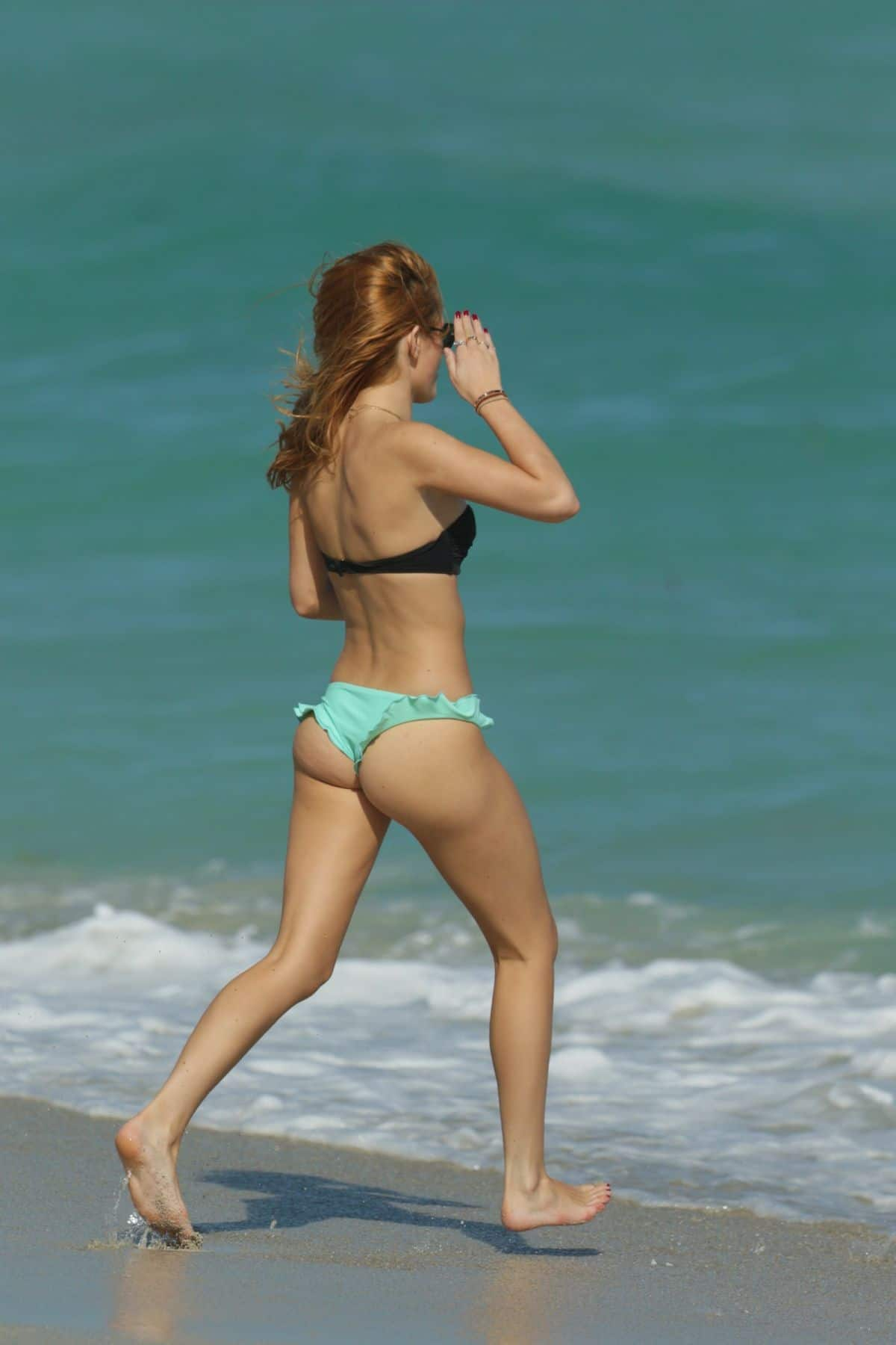 Bella Thorne hot image