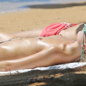 Margot Robbie naked boobs