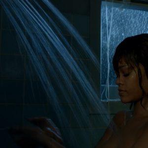 Rihanna topless pic