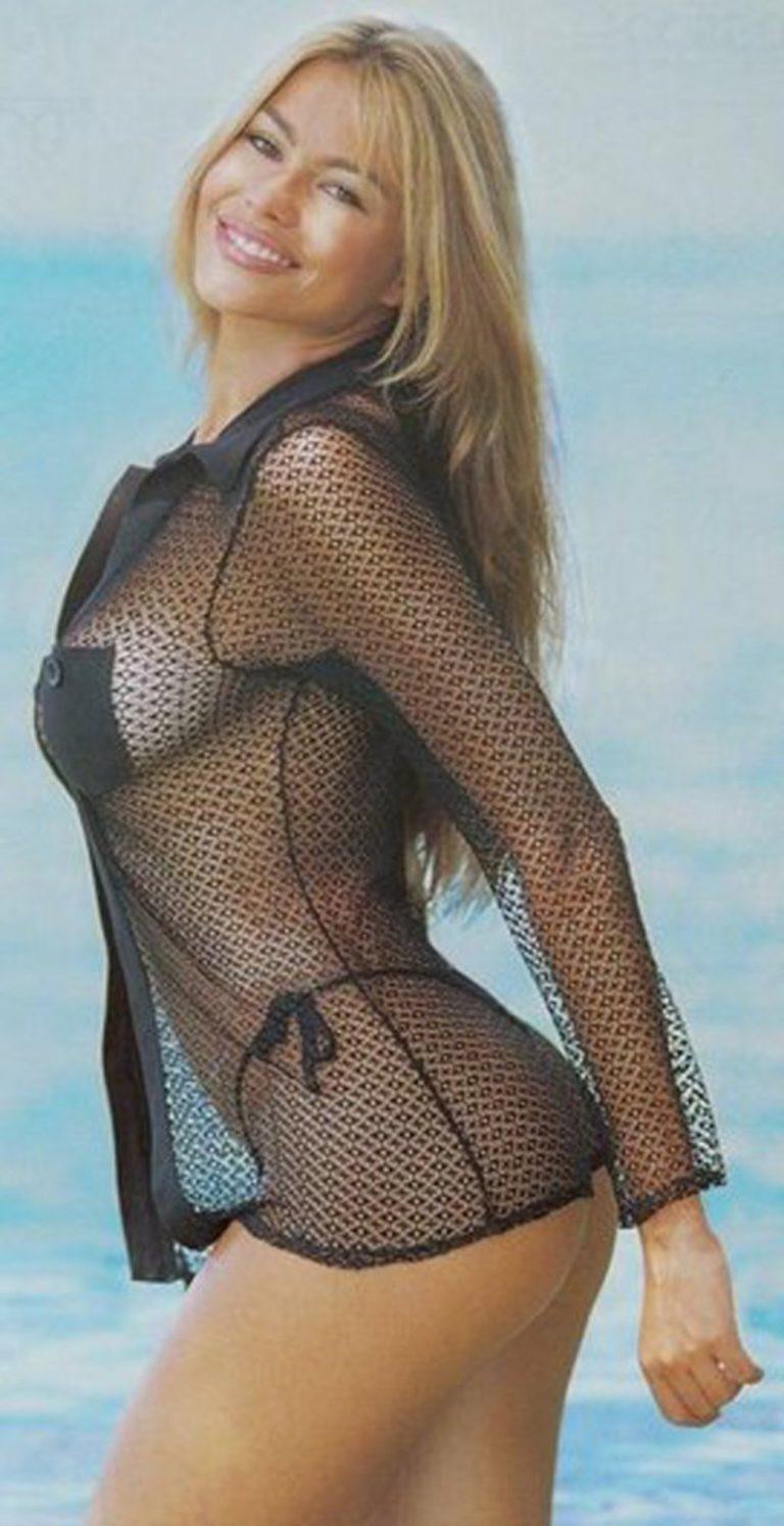Sofia Vergara visible nips