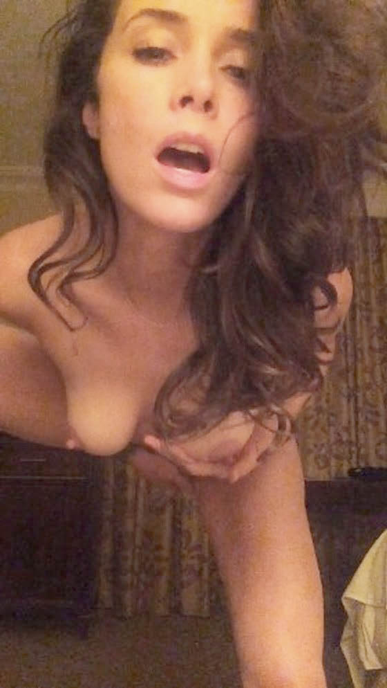 Abigail Spencer nude boobs