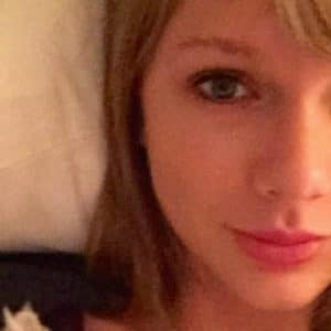 Taylor Swift Nude Photos & Videos ( UNCENSORED LEAKS! )