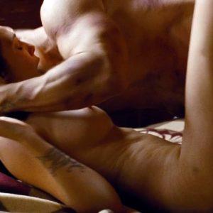 Elizabeth Olsen hot boobs