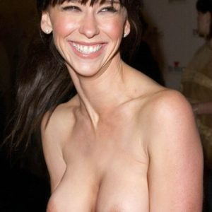 Jennifer Love Hewitt hard nipples