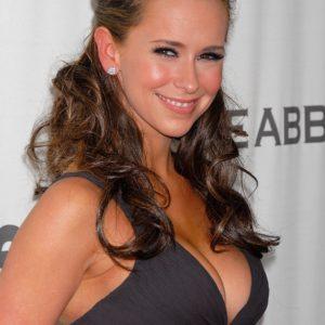 Jennifer Love Hewitt naked boobs