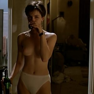 Kate Beckinsale naked boobs