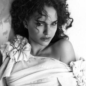 Natalie Portman sexy photograph