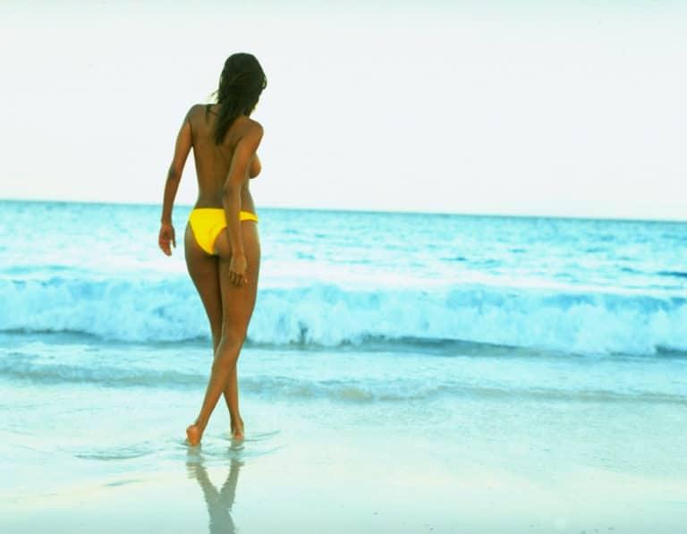Tyra Banks boobs show