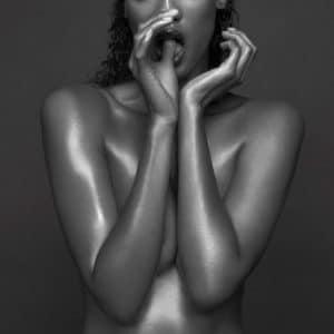 Tyra Banks hot boobs