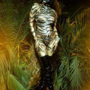 Tyra Banks natural tits