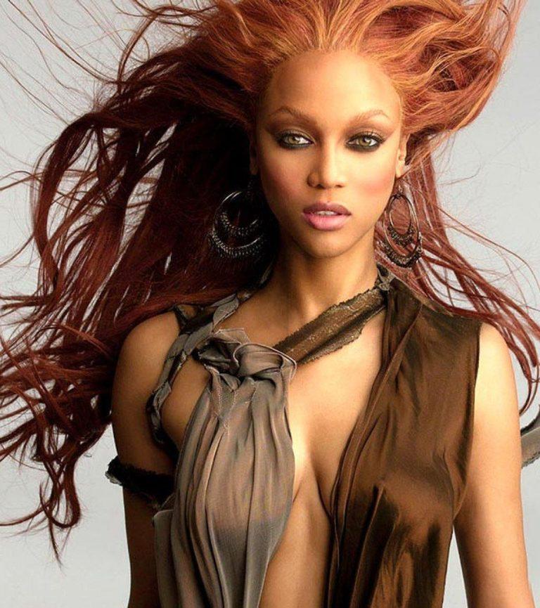 Tyra Banks nude