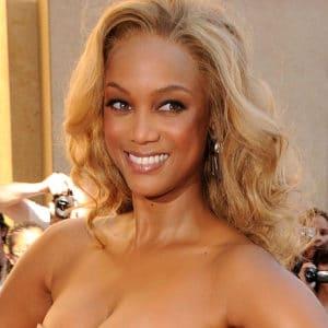 Tyra Banks nude boobs