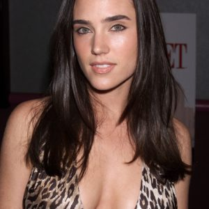 Jennifer Connelly sexy cleavage