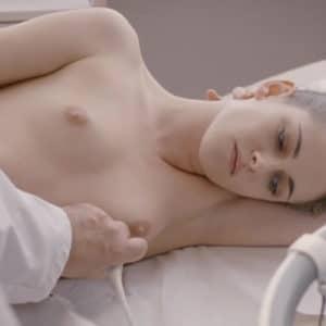 Kristen Stewart boobs show
