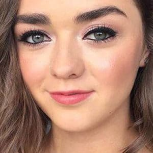 Maisie Williams Nude Leaks, Topless Pics & Naughty Videos!
