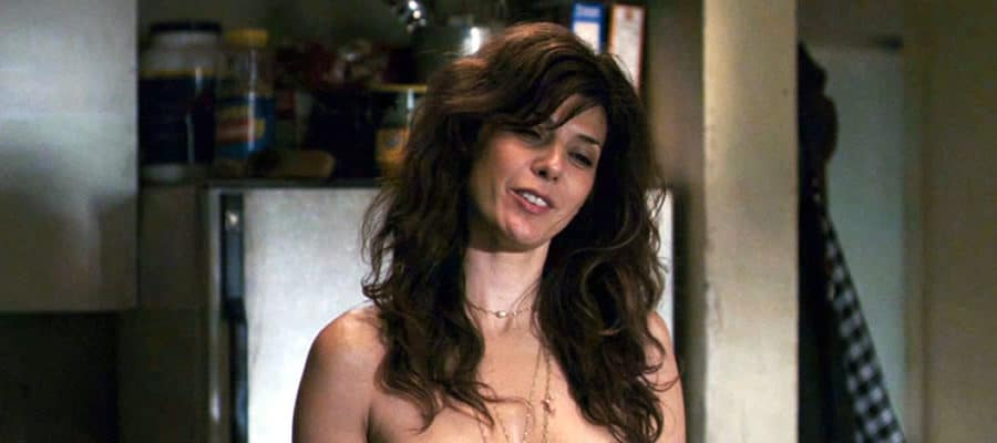 Marisa Tomei no shirt
