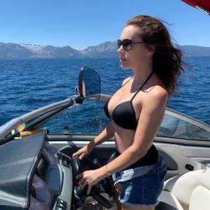 Alyssa Milano ass