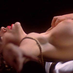 Alyssa Milano sexy naked